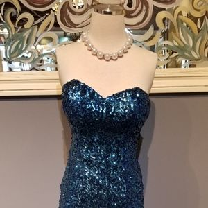 Alyce Paris Sapphire Sequined Short Dress